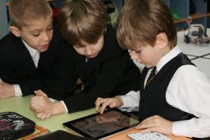В украинских школах хотят заменить учебники на планшеты