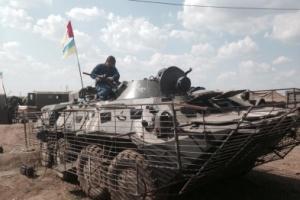 Одесские солдаты воюют на военном трофее - отобранном у противника БТРе