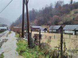 На Закарпатье жилые дома стоят в воде