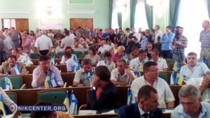Сессия Херсонского облсовета превратилась в скандальное шоу из-за упорного нежелания главы совета ставить на голосование вопрос о своей отставке