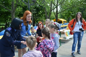 Николаевские правоохранители развлекали детей и учили их быть законопослушными