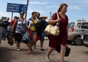 Люди продолжают покидать Крым и Донбасс (статистика)