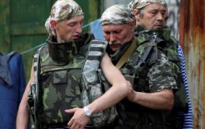 Яценюк заявил, что обеспечит Нацгвардию зимним обмундированием до 10 октября