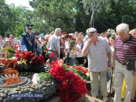 В Одессе память жертв Великой Отечественной войны почтили цветами и минутой молчания