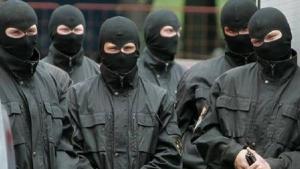 В Снигиревке 8 человек в балаклавах ограбили склады со средствами защиты растений