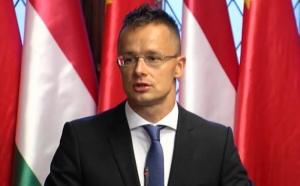 Глава МИД Венгрии заявил о причине миграционного кризиса