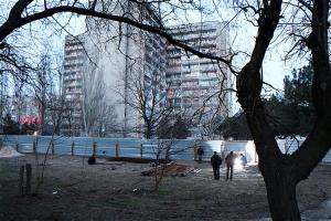 АЗС в Соляных продолжают строить, жители готовы выйти на протест