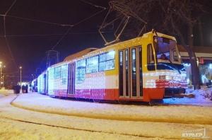 Парад Рождественских трамваев прошел в Одессе (ФОТО)