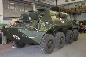 Николаевский бронетанковый завод передал уникальный бронереанимобиль для спасения раненых николаевских десантников в зоне АТО