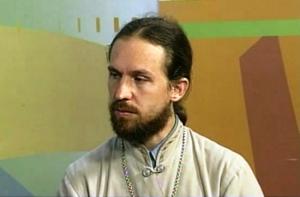 Херсонский священник создал необычное онлайн-радио