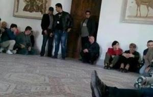 В Тунисе террористы взяли в заложники около 40 туристов