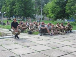 Общественники устроили рок-концерт в зоне АТО для бойцов николаевской 79-й бригады