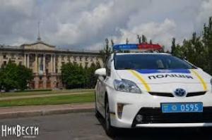 В Николаеве полиция задержала четверых грабителей, которые отобрали у женщины две золотые цепочки