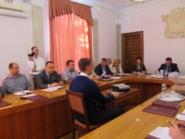 Тарифы на перевозку в городских маршрутках со скандалом подняли до 3 грн