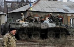 Украинские бойцы держат оборону под Дебальцево, несмотря на напряженную ситуацию - Порошенко