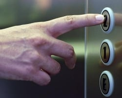 В Херсонской области в лифты проводят Интернет