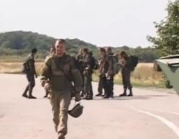 180 украинских военных возвращаются из РФ на родину