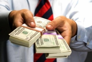 Бывший одесский милиционер избил гражданина за денежный долг