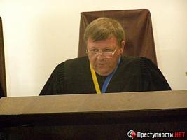 В Николаеве судья Беспрозванный отпустил троих парней, ограбивших прохожего