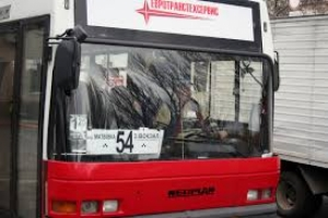 В Николаеве из-за халатности водителя автобуса женщина получила травму