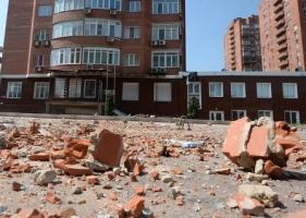 За сутки в Донецке погибли четыре мирных жителя, более 10 человек ранены осколками разорвавшихся снарядов