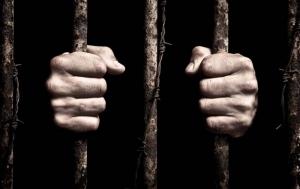 Двух жителей Вознесенска могут осудить пожизненно за заказное убийство