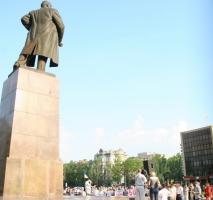 На митинге в поддержку врадиевцев на площади Ленина требовали вернуть власть народу