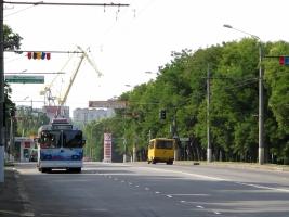 В Николаеве протестуют жены десантников – перекрыли проспект героев Сталинграда (обновлено)