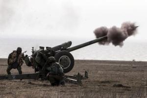 Силовики и сепаратисты продолжают винить друг друга в обстрелах