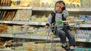 Украинцы тратят на продукты и