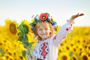 Порошенко велел уже сейчас готовиться к празднованию 25-й годовщины Независимости Украины