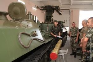 Одесские пограничники учатся у курсантов Военной академии