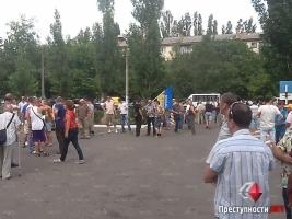 В Николаеве, возле КПП 79-й отдельной аэромобильной бригады, вновь протестуют жены и матери николаевских десантников