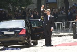 Петр Порошенко сегодня официально стал Президентом Украины,  - желающие поздравить прибыли отовсюду
