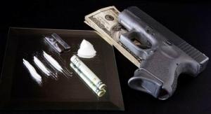 На Николаевщине правоохранители изъяли у 42-летнего мужчины  самодельное оружие и наркотики