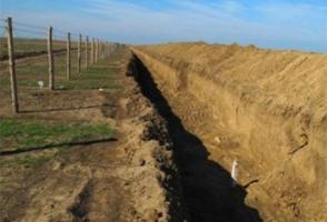 Хищники обживают укрепления, брошенные россиянами на границе между Крымом и Херсонщиной