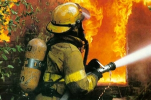 Пожар в центре Николаева чуть не сжег три дома