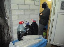 В Николаеве накрыли еще одну точку по продаже самогона
