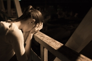 В Николаеве школьница совершила суицид, прыгнув с крыши недостроя