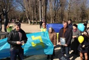 В Симферополе задержали за украинскую символику организатора митинга памяти Шевченко