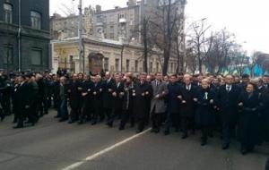 В Киеве проходит Марш Достоинства с участием лидеров Европы