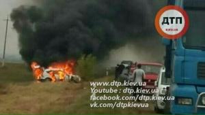 На трассе Одесса – Киев сгорел автомобиль евреев-паломников. Ни один хасид не пострадал.