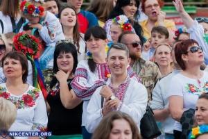 В Николаеве прошел мегамарш в вышиванках. ФОТОРЕПОРТАЖ