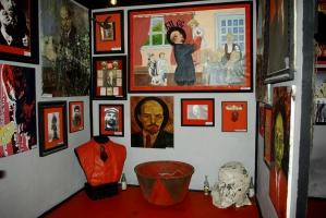 Херсонский врач построил и открыл «Музей тоталитаризма»