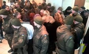 В Одессе активисты пикетируют Малиновский суд