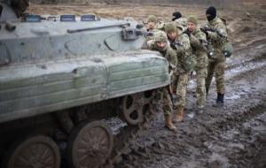 В Донецкой области взорвался автомобиль с военными. Сообщают о жертвах