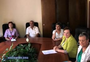 В Николаеве торговцы рынка на 3-й Слободской просят депутатов обязать Магеррамова заключить с ними договора