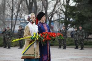 Николаевцы отметили 72-ю годовщину освобождения города возложением цветов к памятнику ольшанцам