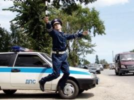 Одесские активисты «Дорожного контроля» поймали гаишника на взятке