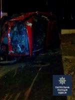 В Одессе пьяный водитель «положил» машину на бок